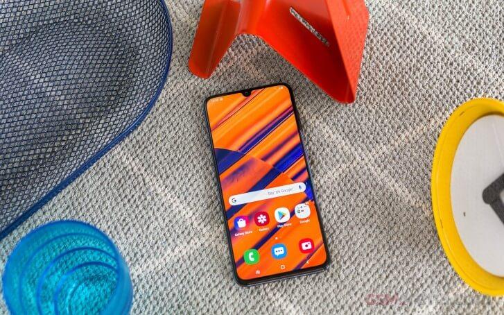 Galaxy a70 display